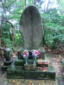 貞心尼のお墓(没後142年)